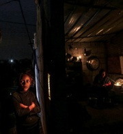 تقرير مؤسسة الحق بشأن انتهاك الحق في التجمع السلمي على خلفية أزمة الكهرباء في قطاع غزة