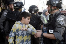 Israeli Forces Detain Two Palestinian Children near their School in Hebron