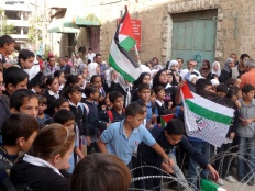 Harsh living conditions in Hebron: Checkpoints limit right to education