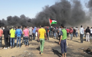 Palestinians participate in seventh Great Return March protests, east of Khuza'a, east of Khan Younis, 11 May 2018 – Al-Haq (c) 2018.
