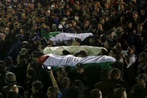 Holding_the_Bodies_of_Deceased_Palestinians_01